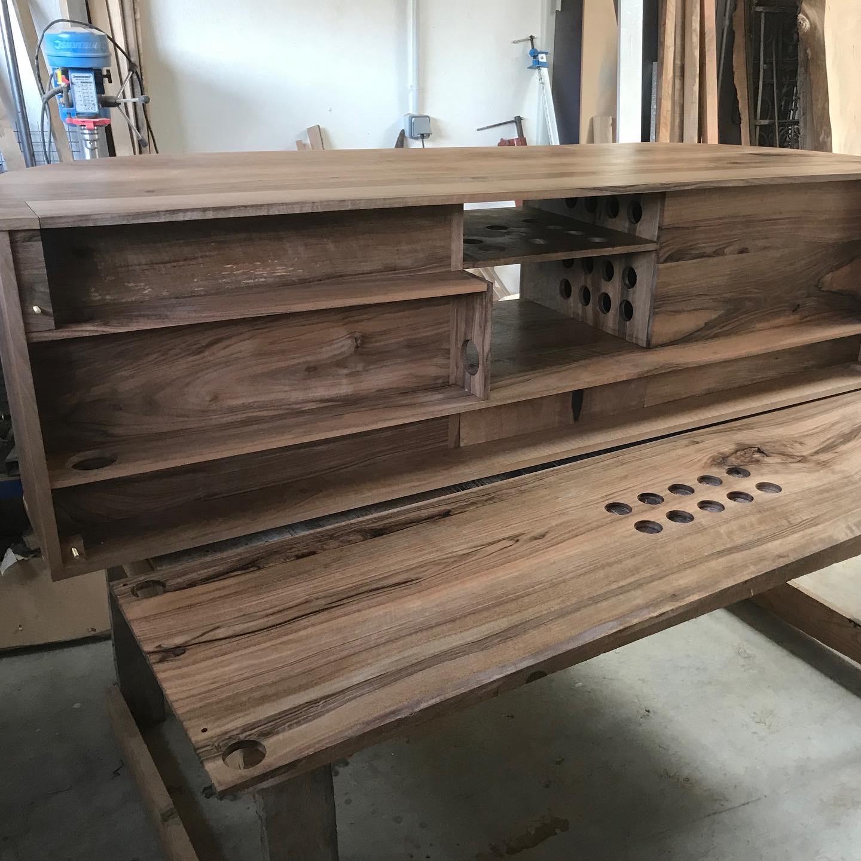 The Lucciola Cabinet 7