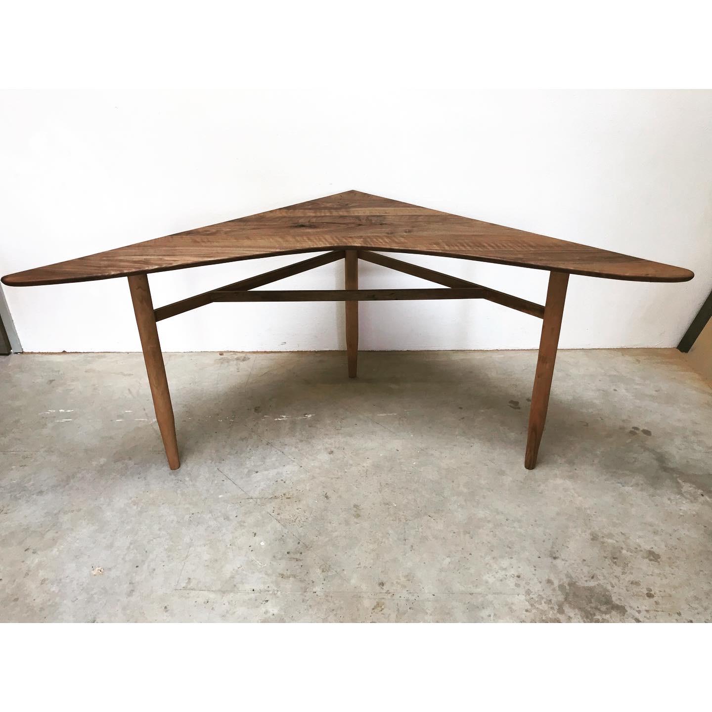The Hulio Corner Table 2